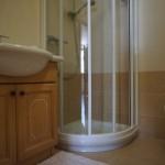 Bagno - doccia e mobile